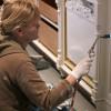 Arbeit mit dem Bunsenbrenner an einer Küchenfront - Julia Hamkens